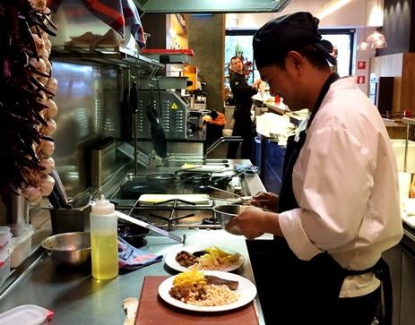 El millor esmorzar de forquilla, dit també brunch, se serveix al restaurant Cullera de Boix a Barcelona.