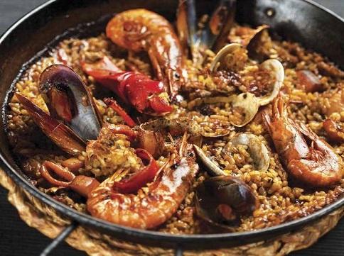 La millor paella de Barcelona es menja al restaurants Cullera de Boix.